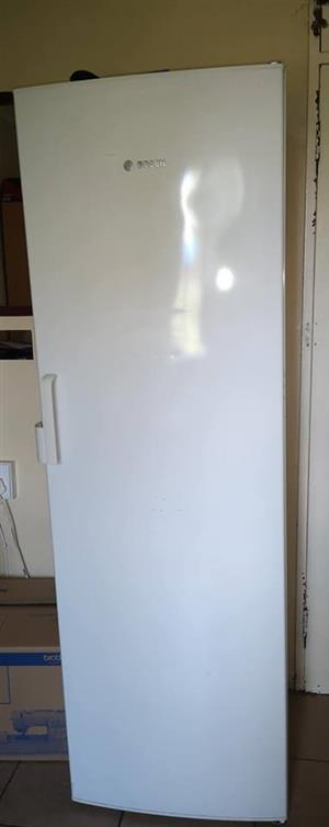 White Bosch fridge for sale
