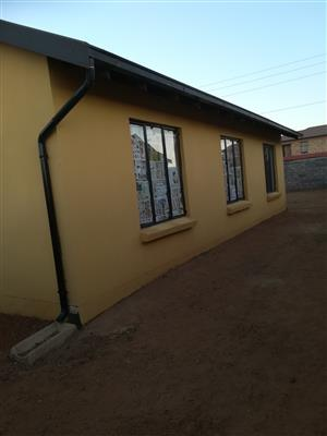 House available to rent in protea glen ext