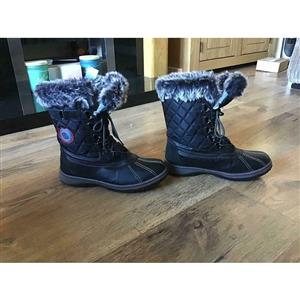 Ladies dockers size 6 waterproof snow boots true to size