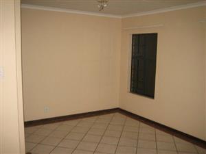 2 Bedroom Apartment in Die Hoewes