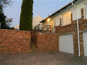 Erasmuskloof - Cosy 2-bed townhouse, double garage, garden