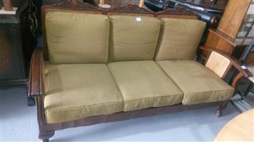 3 Seater green cushion couch