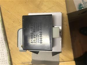 Hino 700/500 flasher unit