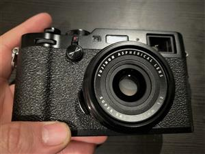 Fujifilm X100F Camera - Black