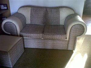 5 seat Lounge suite, plus 2 footstools or seats for sale