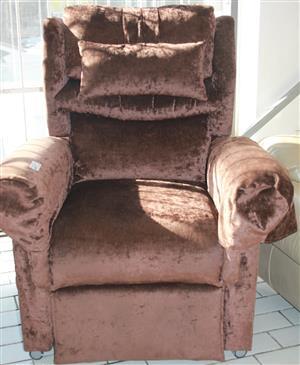 Venetian massage chair S028913a  #Rosettenvillepawnshop