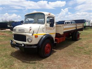 Mercedes 1113b with dropside body