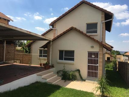 4 Bedroom House For Sale in Buccleuch, Sandton