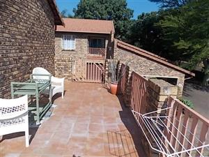 DUPLEX TO LET FROM 1 JULY 2018