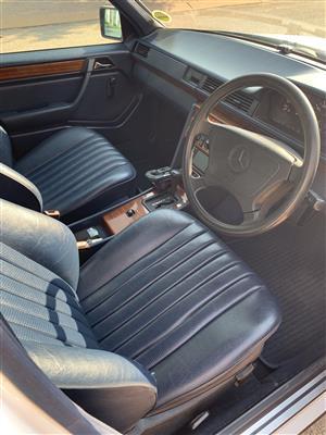 1993 Mercedes Benz E Class E250CDI Elegance