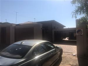 Neat 2bedroom apartment available immediately in Primrose  05/11/2019
