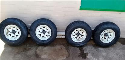Tow truck dolly wheels