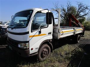 Toyota XZU430R, Drop Side Crane Truck - ON AUCTION