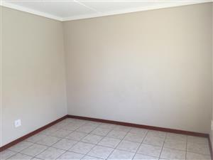 1 Bedroom available in a 2 Bedroom flat at Madeira isles pta west