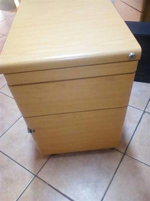 Light wooden drawer cabinet
