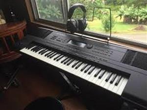 intelingent Roland E50 0 piano keyboard + sustain pedal