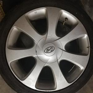 4 Hyundai tyres with rims for sale