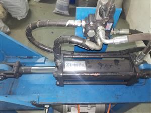 Baling machine and Hydraulic logsplitter