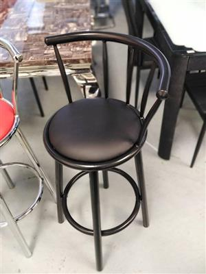Brand new bar chairs excellent quality in boxes R490 each