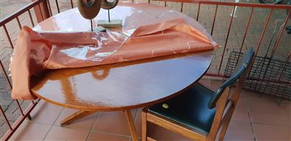Round table 4 seat