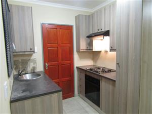 NEAT 3 BEDROOM AND 1,5 BATHROOM TO LET IN RIVERSIDE VIEW FOURWAYS ALONG WILLIAM NICOL
