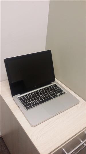 Macbook pro 13inch  Core i7, in good condition