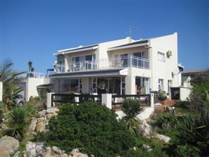 7 Bedroom - 4 Star B+B with Lovely Sea Views for sale in Port Edward