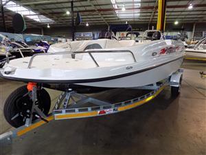 pazzaz 20 ft wet deck on trailer 150 hp suzuki 4 stroke