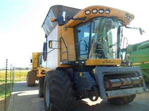 Caterpillar Challenger 670B Combine Harvester
