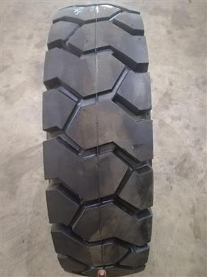 Forklift Tyres , Tlb Tyres and Bobcats Tyres