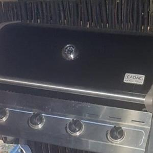 Cadac 4 burner Gas Braai plus cover for sae