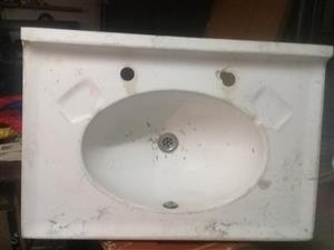 White bathroom basin