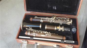 Clarinet in case suit collector Antique - Make me an offer