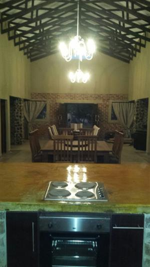 Executive game farm house/lodge to rent fully equipped.