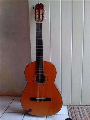 Admira Paloma classical guitar made in Spain