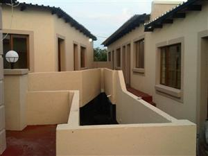 Rent Flat -Own bathroom & Kitchenette Only R2,500 (REDUCED) in a Secure Walled Compound, Parking, in Tanganani