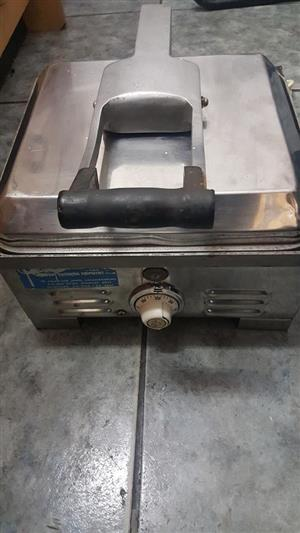 Industrial  Toaster   Perfect for making 4 sandwiches at once .