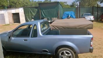Rooftop tent with chop box in excellant condition