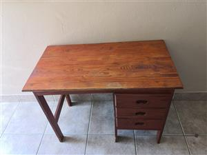 Wooden desk with 3 drawers for sale