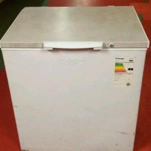 Deep freezer and fridge