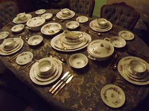 Royal Albert Moss Rose Dinner and tea set for 8 people BRAND NEW never used and complete NB : CUTLERY NOT INCLUDED for sale  Johannesburg - Randburg