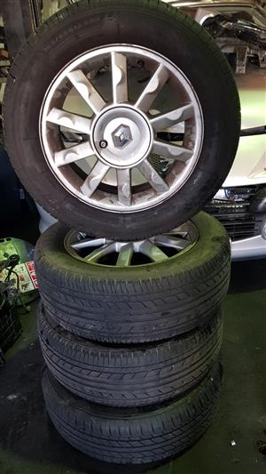 RENAULT 15INCH MAGS AND TYRES FOR SALE