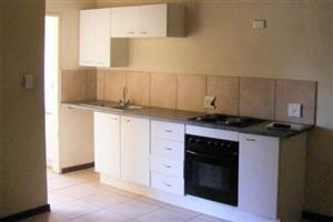 Blairgworie bachelor flat to rent with kitchen and lounge, built in cupboards, bathroom and secure parking, close to all amnesties and main roads.