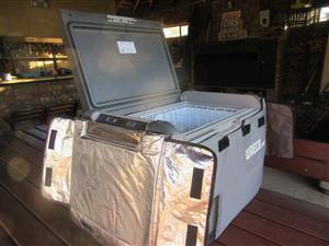 Waeco Camp fridge/freezer CFX50 AC/DC