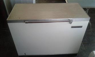 260 litre chest freezer