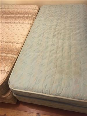 Bed 3/4 Mattresses and bases 2