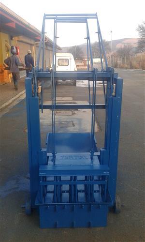 New manual block machine