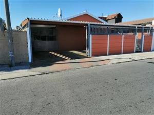 Large 3 Bedroom House FOR SALE in MITCHELLS PLAIN