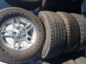 Jeep mag rims and tyres 245.70R16