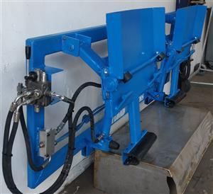 Waste compactor  -  Bin lifter